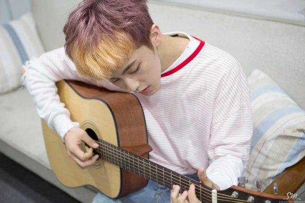 mark guitar