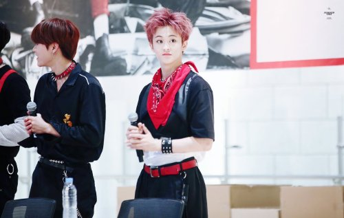 mark lee nct